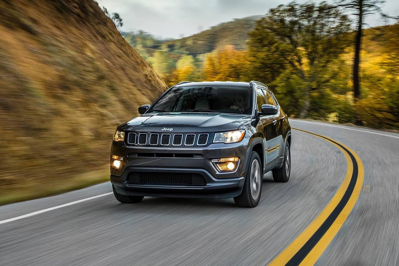 2018 Jeep Compass Latitude 4dr SUV Exterior Shown