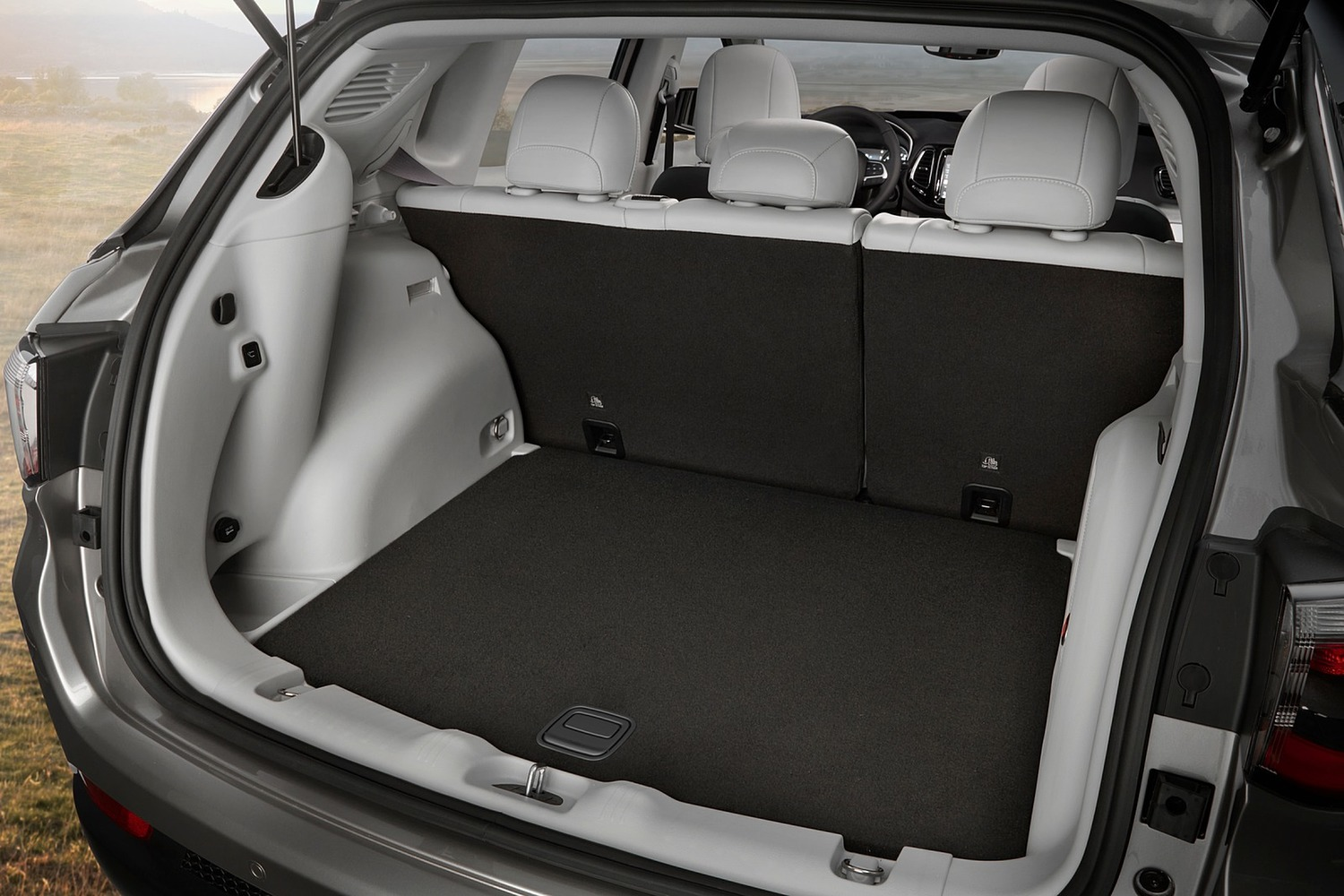 2018 Jeep Compass Limited 4dr SUV Cargo Area