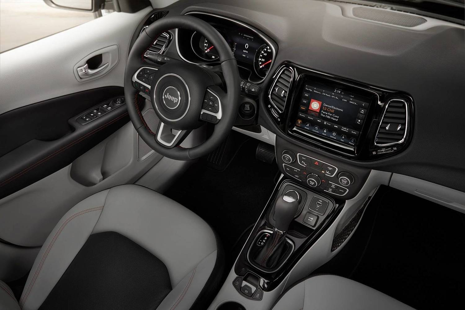 2018 Jeep Compass Limited 4dr SUV Interior