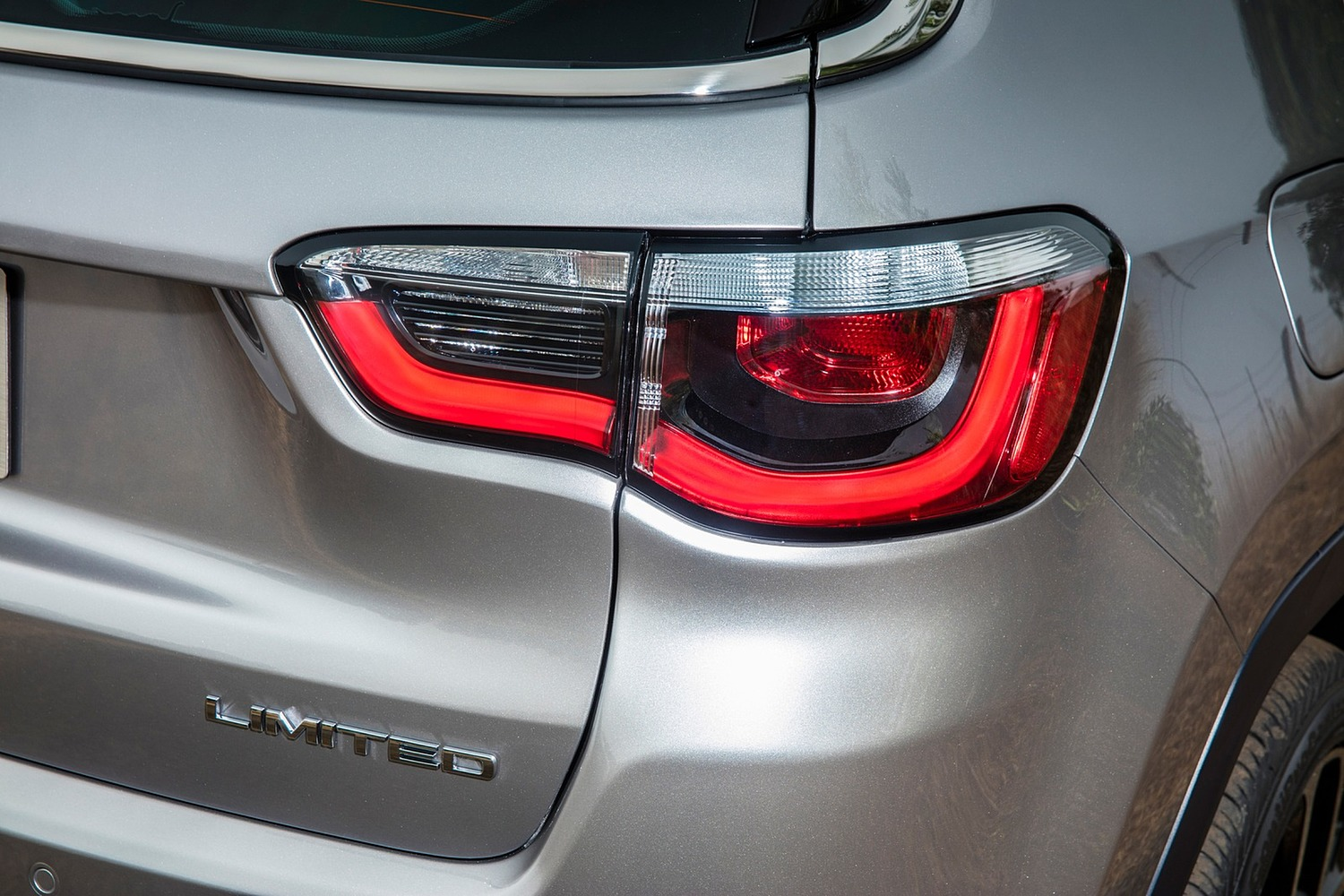 2018 Jeep Compass Limited 4dr SUV Rear Badge