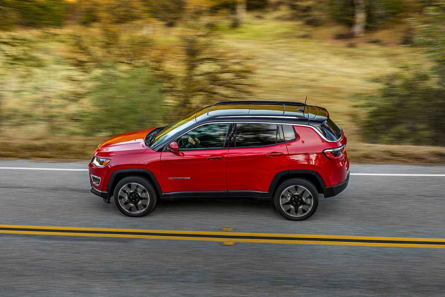 2018 Jeep Compass Limited 4dr SUV Profile