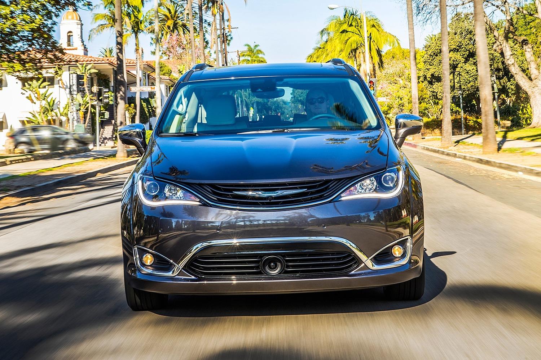 2018 Chrysler Pacifica Hybrid Touring Plus Passenger Minivan Exterior
