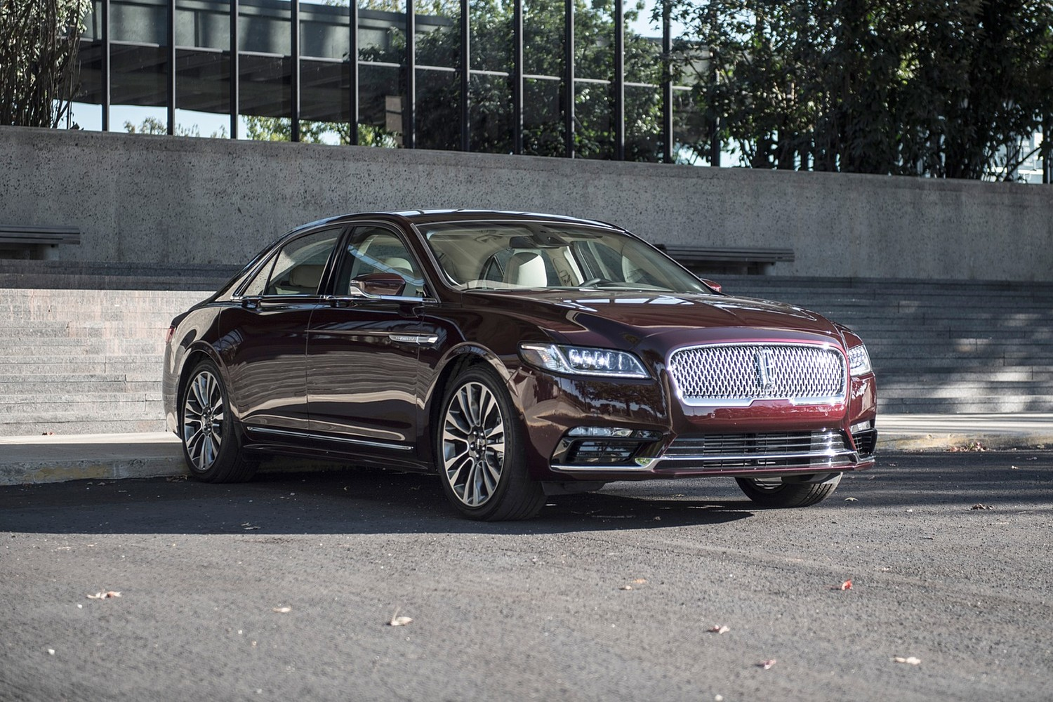 2018 Lincoln Continental Reserve Sedan Exterior Options Shown