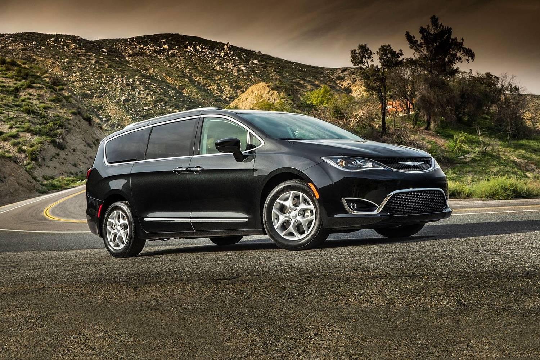 2018 Chrysler Pacifica Touring L Plus Passenger Minivan Exterior Shown
