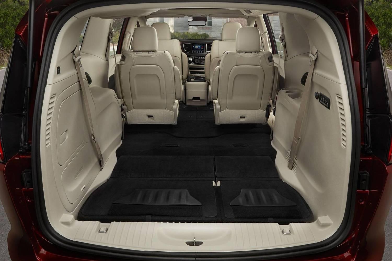 2018 Chrysler Pacifica Limited Passenger Minivan Rear Seats Down