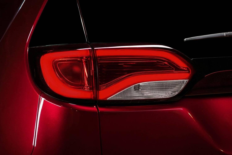 2018 Chrysler Pacifica Limited Passenger Minivan Exterior Detail