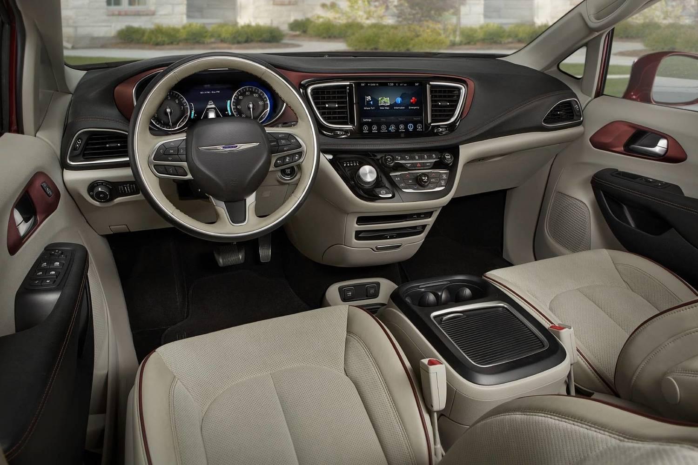 2018 Chrysler Pacifica Limited Passenger Minivan Dashboard