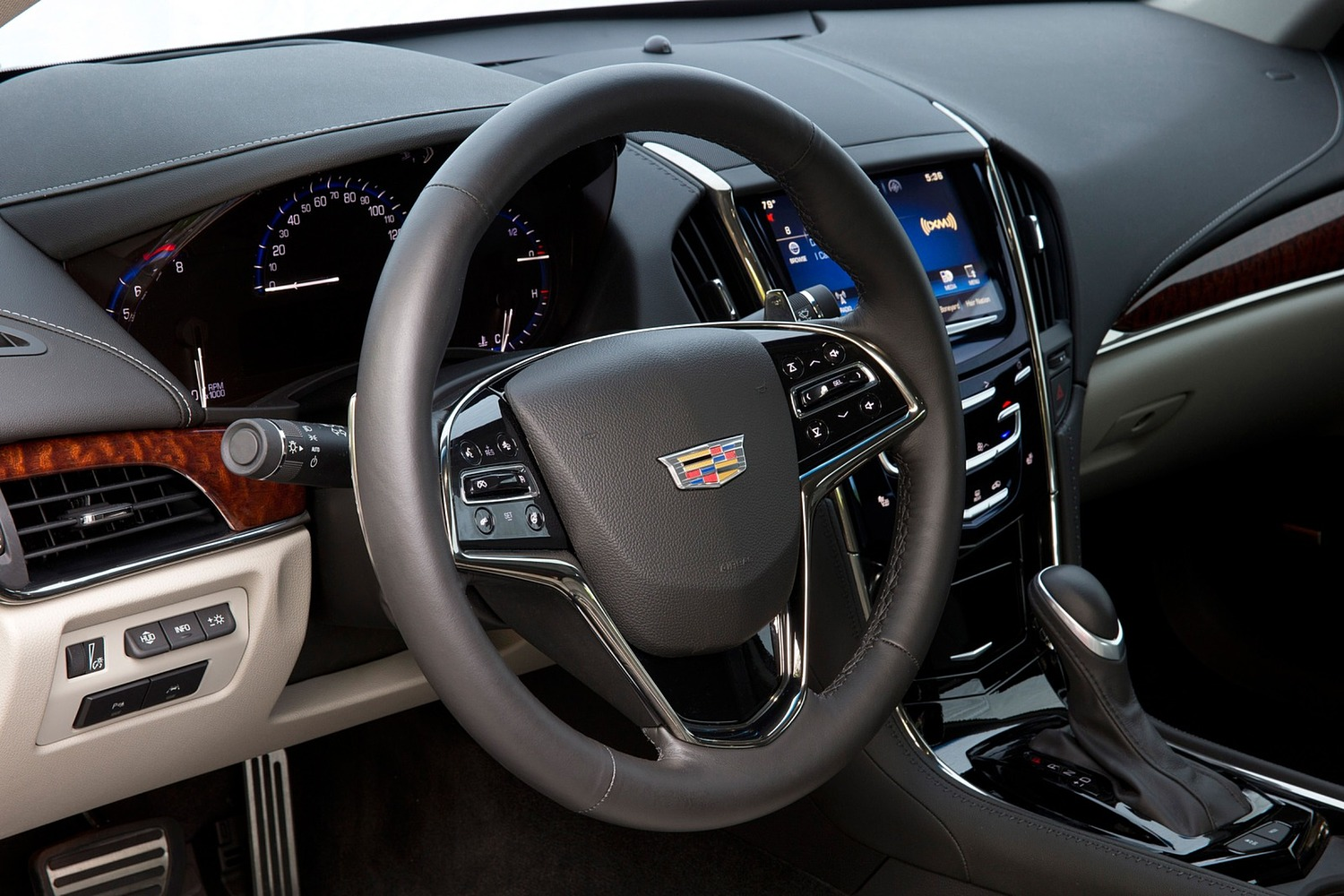 2018 Cadillac ATS Coupe Premium Performance Steering Wheel Detail