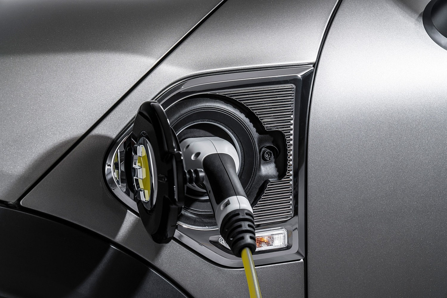 2018 MINI Countryman Cooper S E ALL4 Wagon Charge Point Detail