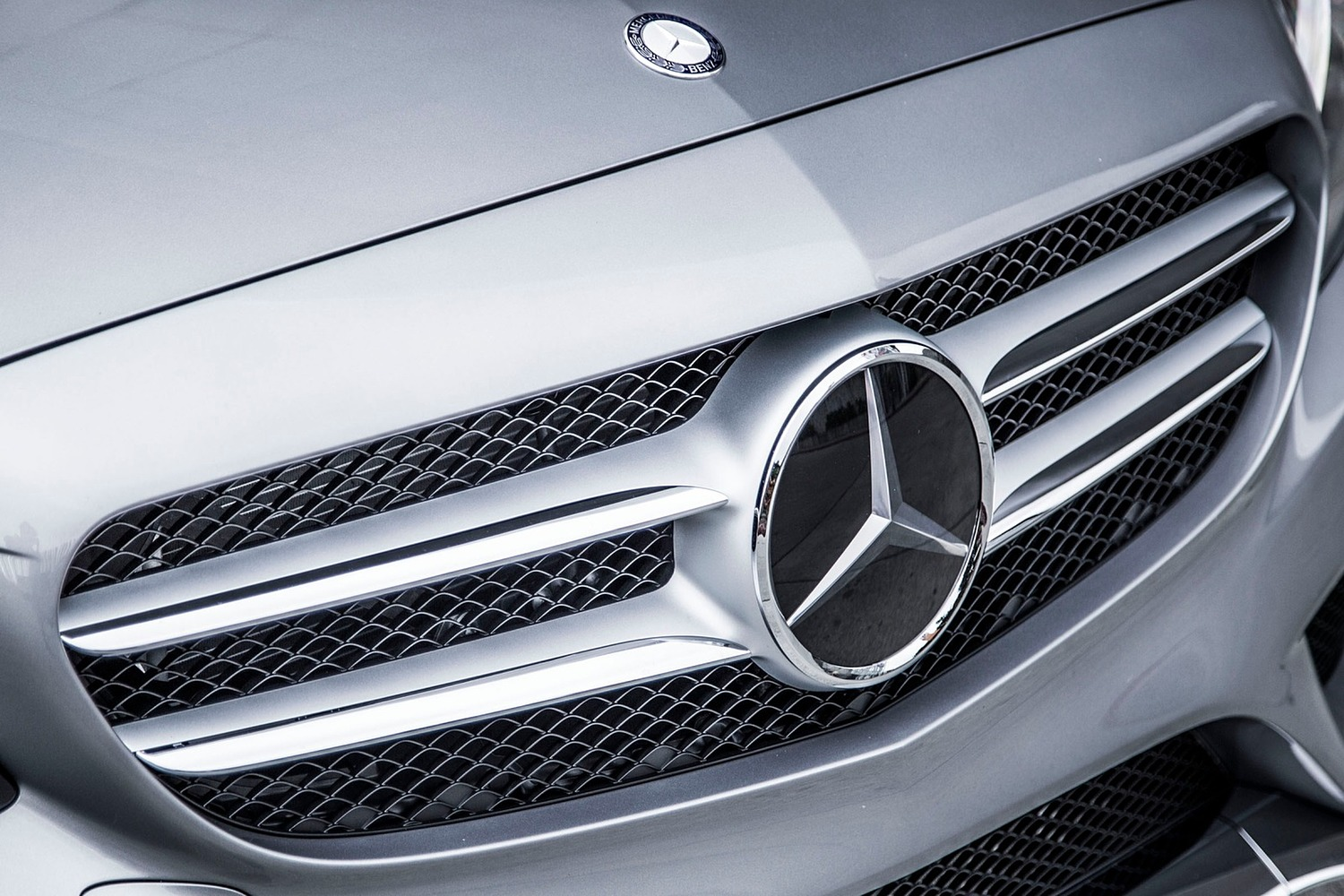 2018 Mercedes-Benz C-Class C 300 4MATIC Sedan Front Badge