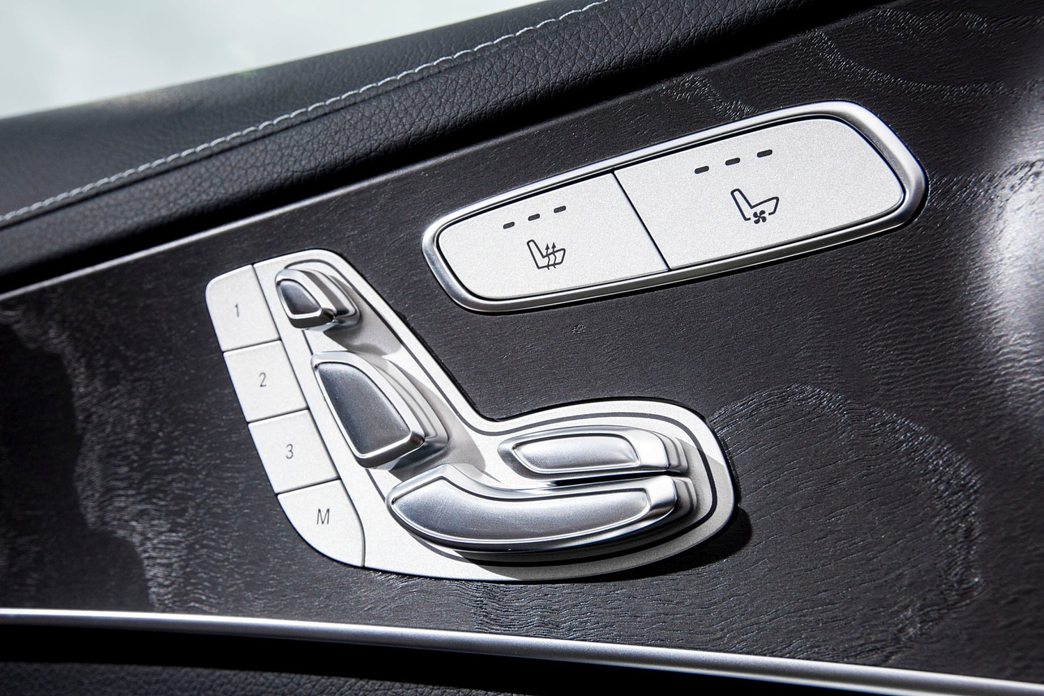 2018 Mercedes-Benz C-Class C 300 4MATIC Sedan Interior Detail