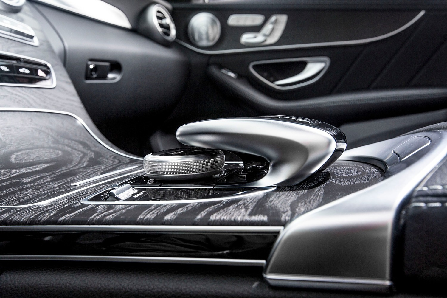 2018 Mercedes-Benz C-Class C 300 4MATIC Sedan Shifter