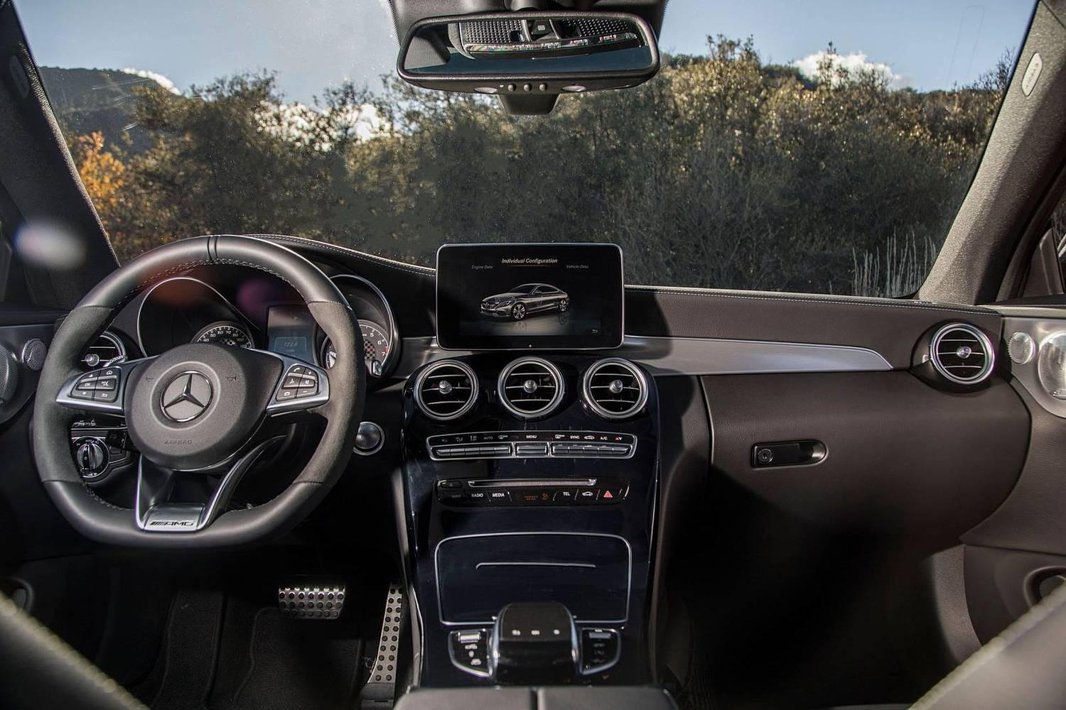 2018 Mercedes-Benz C-Class AMG C 43 Coupe Dashboard