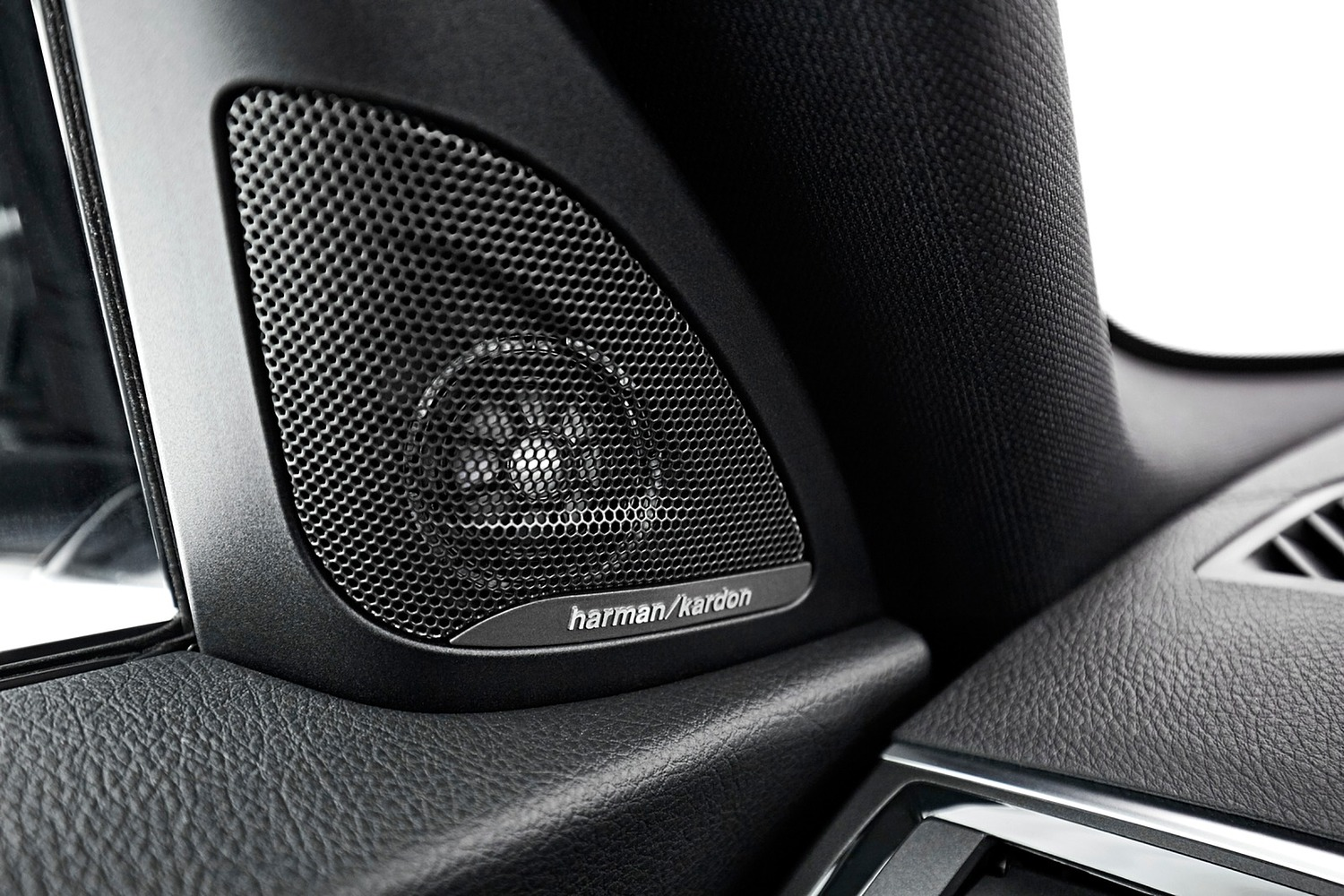 2018 BMW 2 Series M240i xDrive Coupe Interior Detail