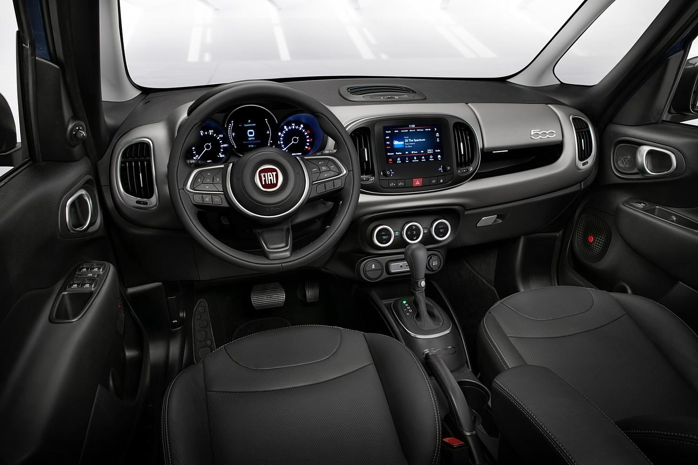 2018 FIAT 500L Lounge Wagon Dashboard Shown