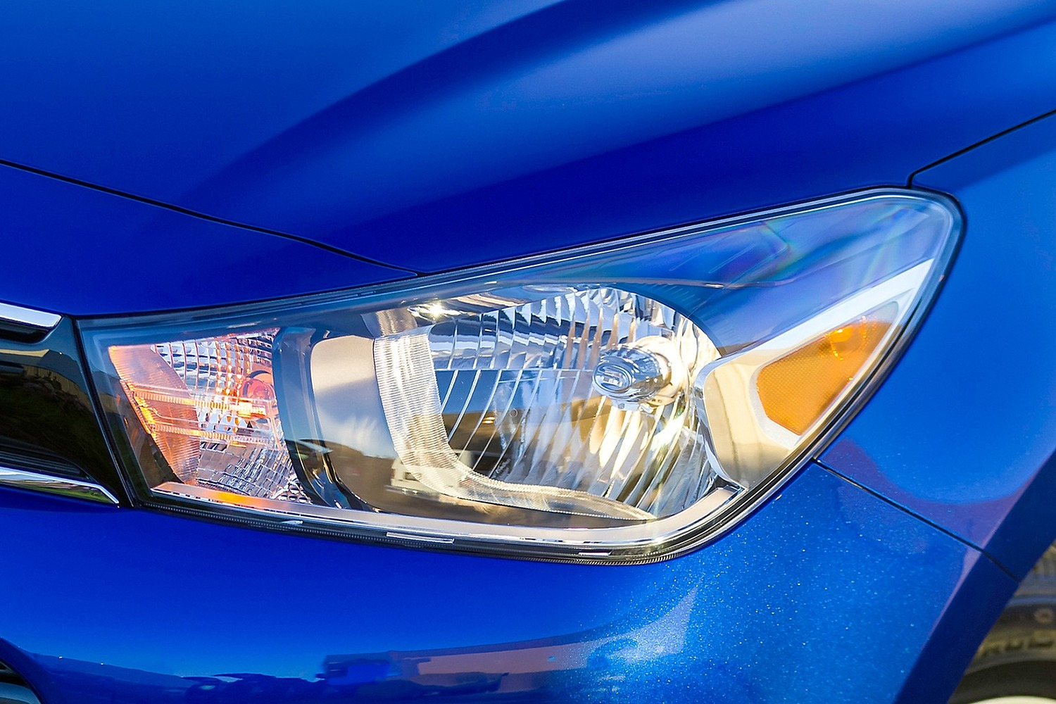 2018 Kia Rio EX Sedan Headlamp Detail