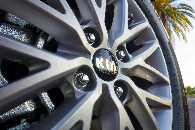 2018 Kia Rio EX 4dr Hatchback Wheel