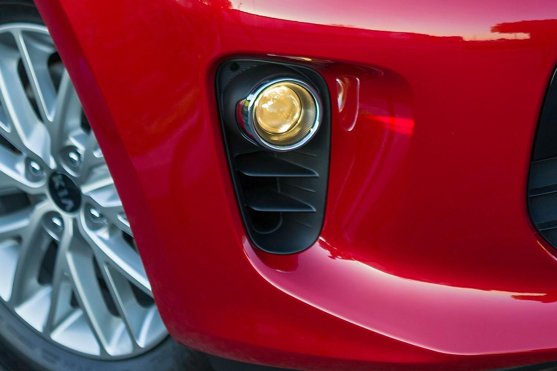 2018 Kia Rio EX 4dr Hatchback Fog Light Detail