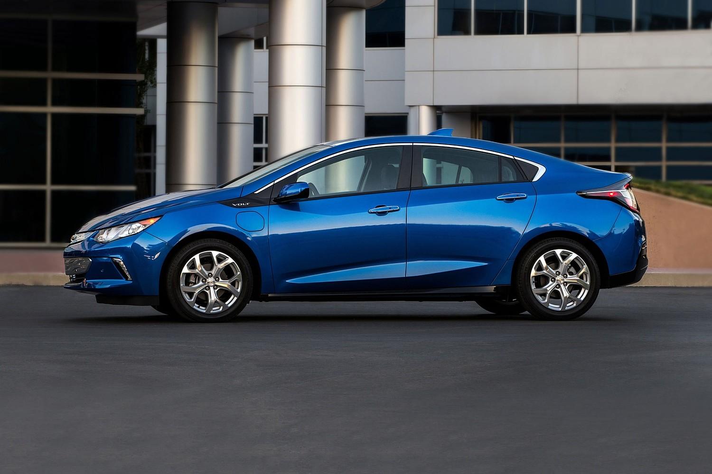 2018 Chevrolet Volt Premier 4dr Hatchback Profile