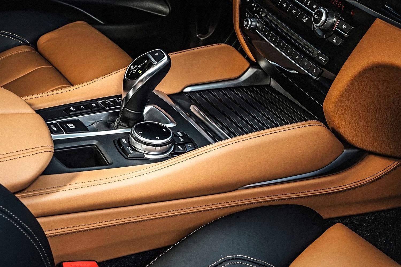 2018 BMW X6 xDrive50i 4dr SUV Shifter