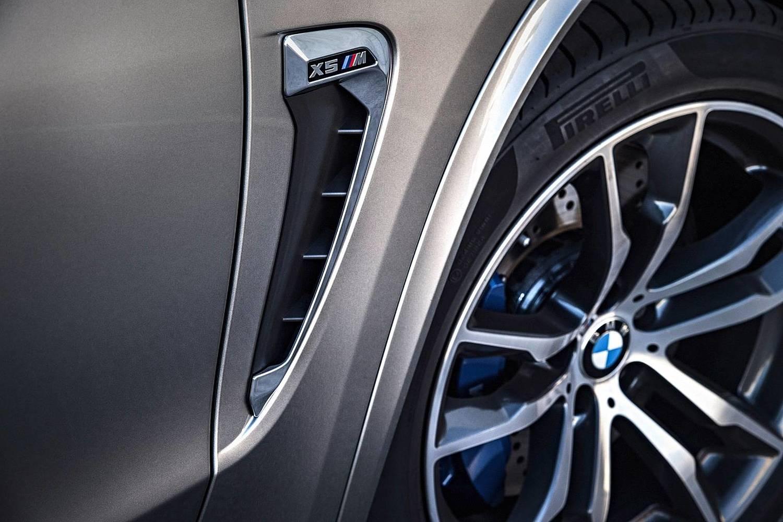 BMW X5 M 4dr SUV Wheel