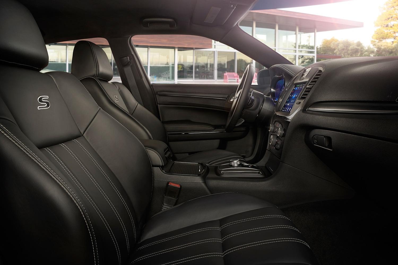 2018 Chrysler 300 S Sedan Interior