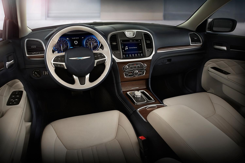 2018 Chrysler 300 C Sedan Dashboard