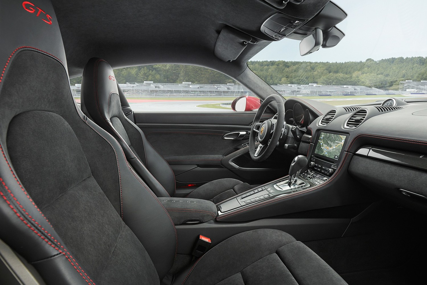 2018 Porsche 718 Cayman GTS Coupe Interior