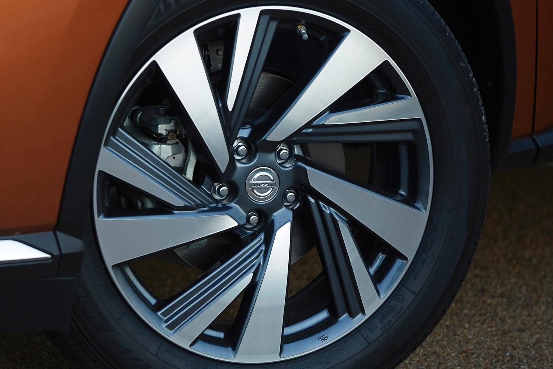 Nissan Murano Platinum 4dr SUV Wheel
