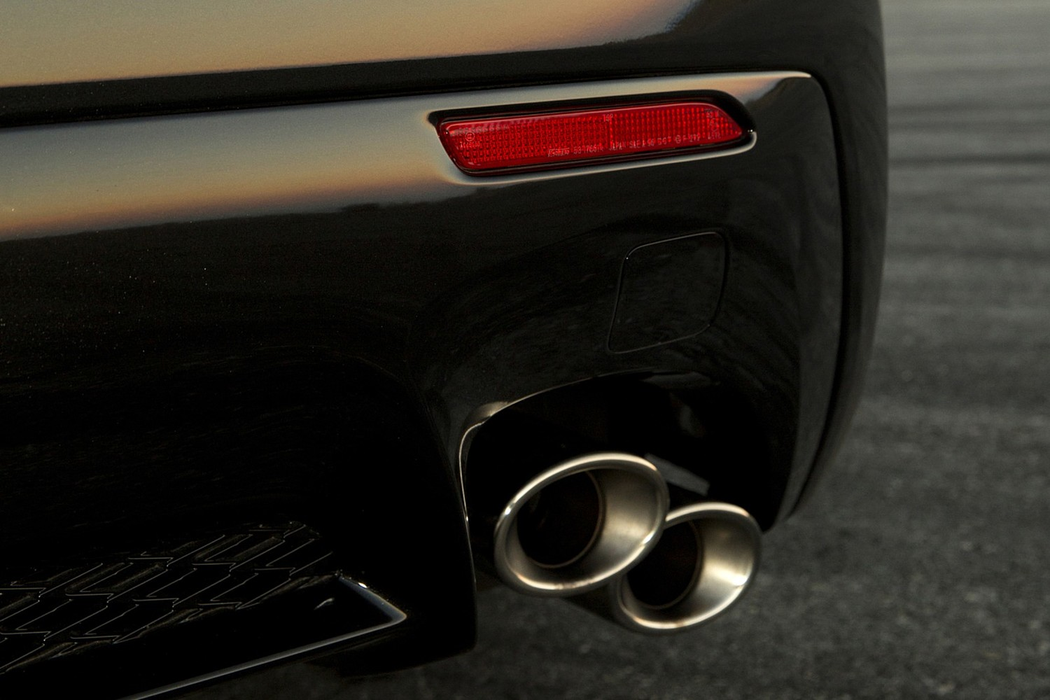 2018 Lexus RC F Coupe Exhaust Tip Detail