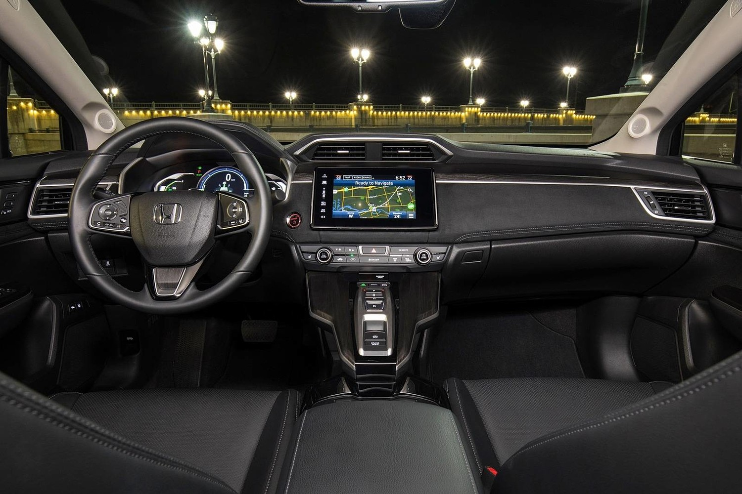 2018 Honda Clarity Touring Plug-In Hybrid Sedan Dashboard