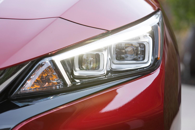 2018 Nissan Leaf SL 4dr Hatchback Headlamp Detail