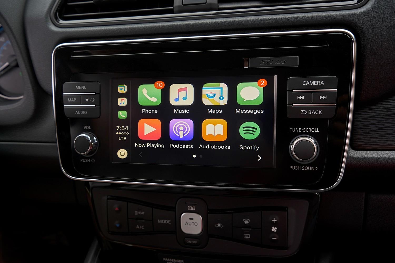 2018 Nissan Leaf SL 4dr Hatchback Center Console