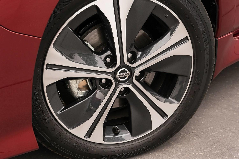 2018 Nissan Leaf SL 4dr Hatchback Wheel