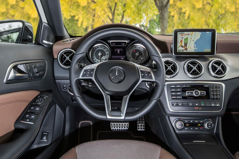 2016 Mercedes-Benz GLA-Class AMG GLA45 4MATIC 4dr SUV Dashboard