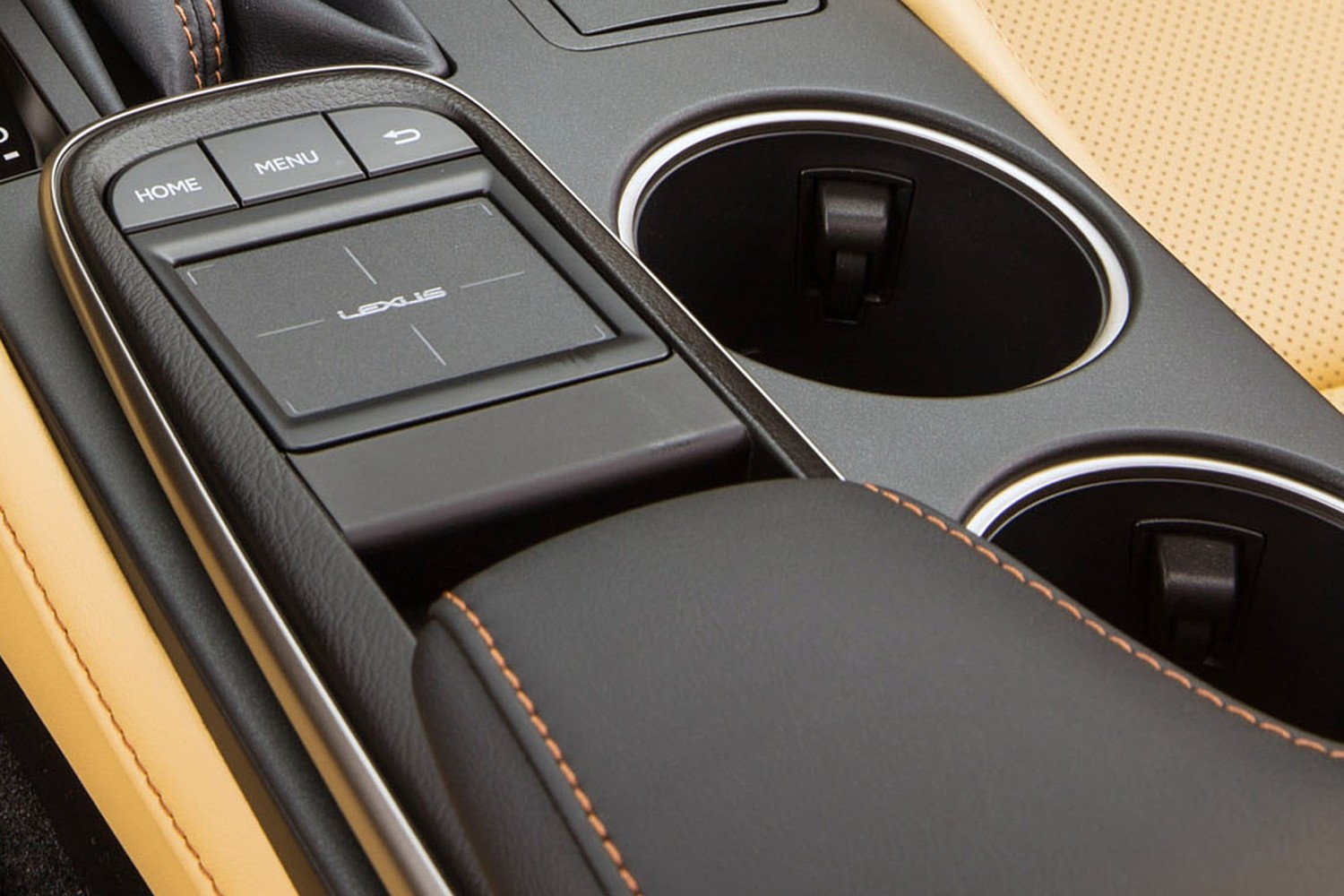 Lexus RC 350 Coupe Cupholders