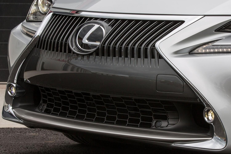 Lexus RC 350 Coupe Front Badge