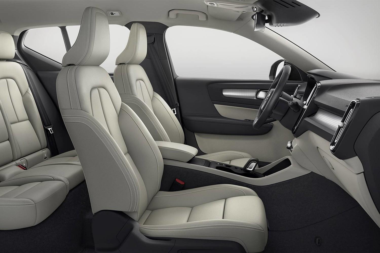 2019 Volvo XC40 T5 Momentum 4dr SUV Interior Shown