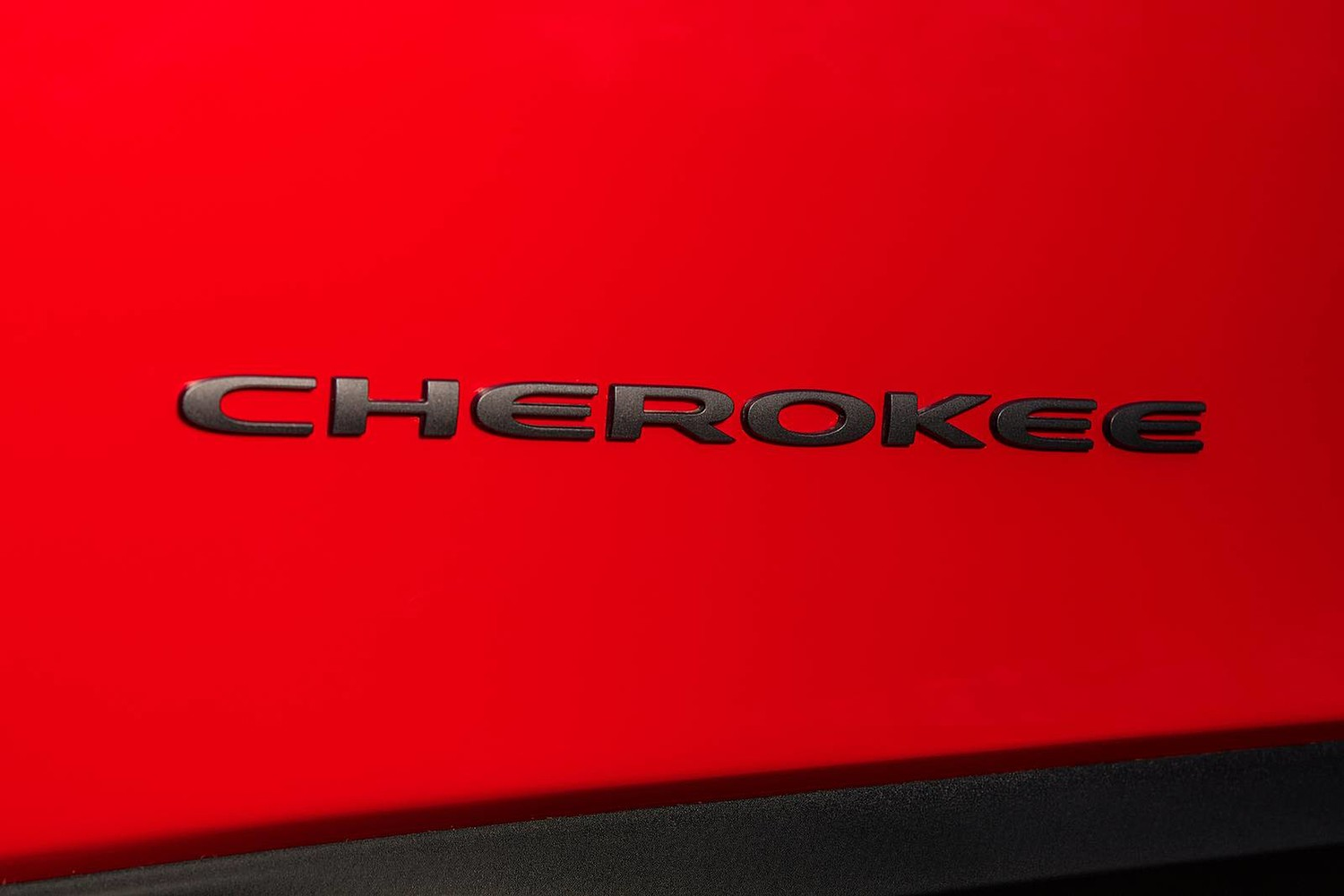2019 Jeep Cherokee Trailhawk 4dr SUV Front Badge