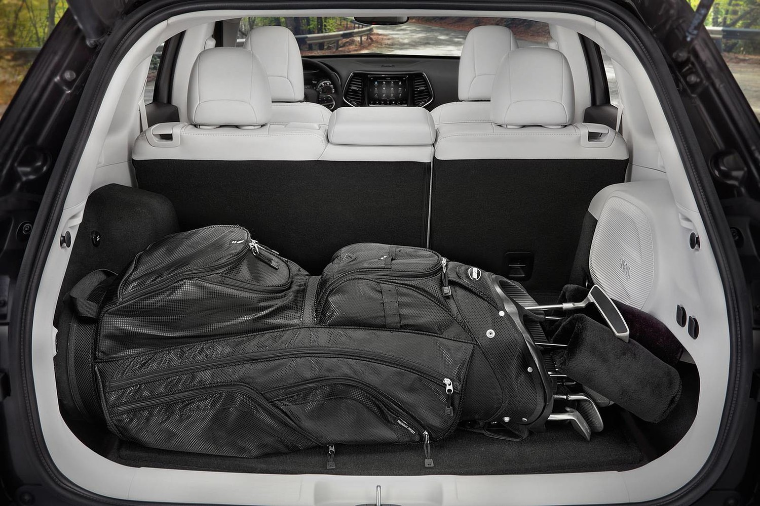 2019 Jeep Cherokee Limited 4dr SUV Cargo Area