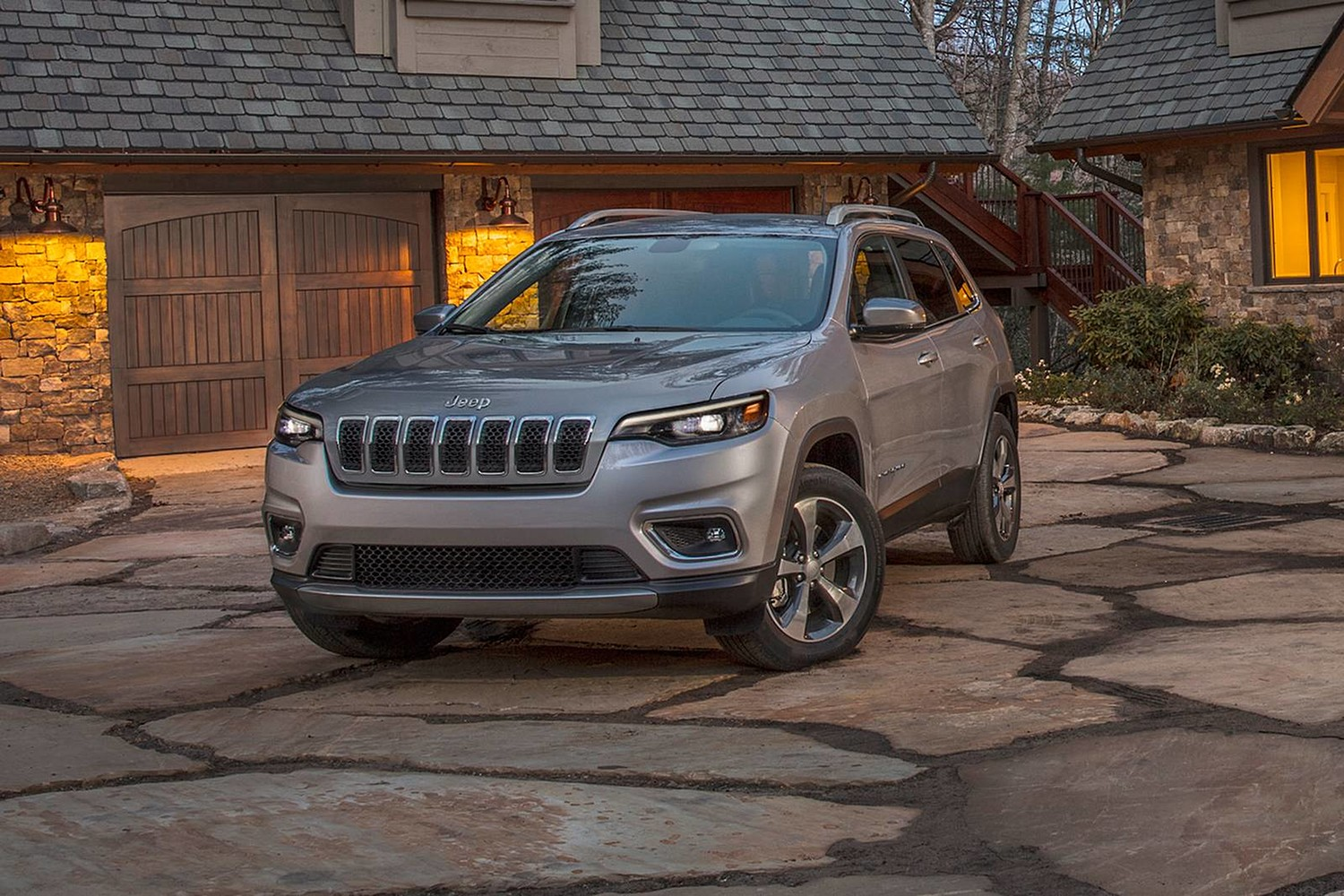 2019 Jeep Cherokee Limited 4dr SUV Exterior Shown