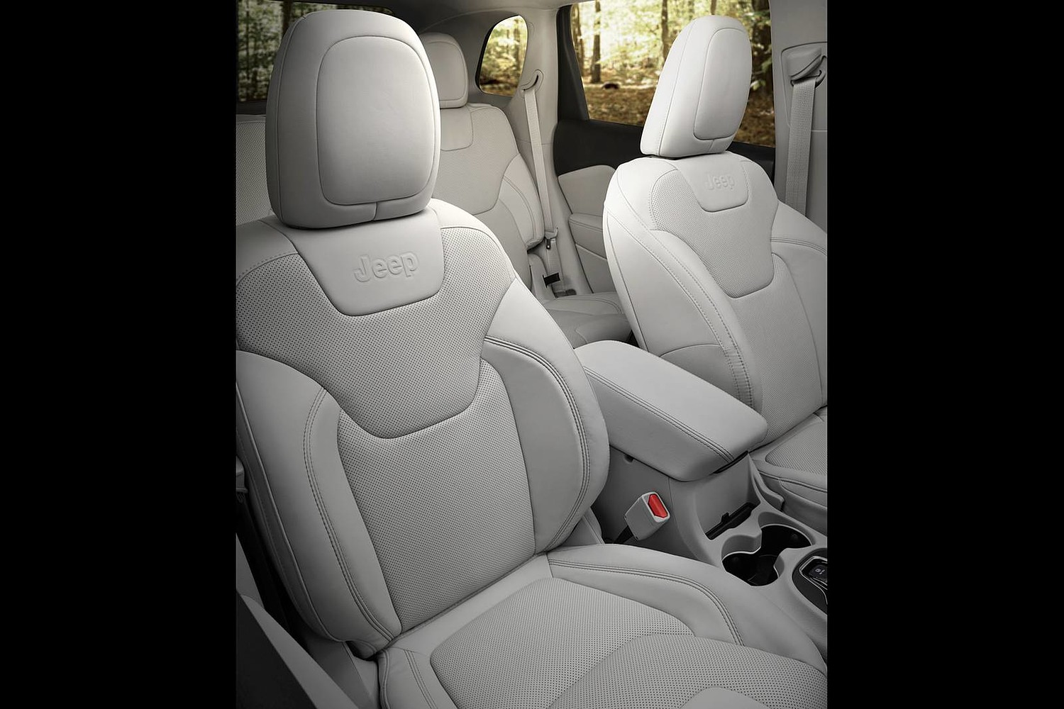 2019 Jeep Cherokee Limited 4dr SUV Interior Detail