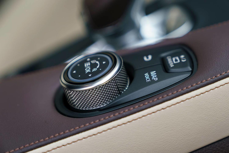 2019 INFINITI QX50 ESSENTIAL 4dr SUV Interior Detail
