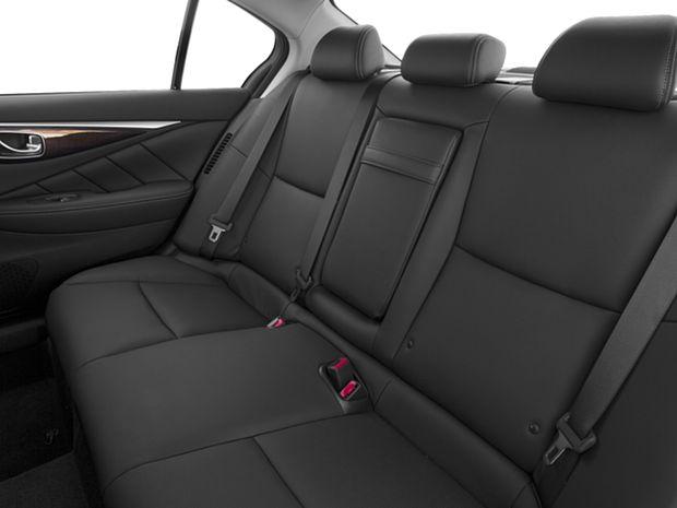 2017 INFINITI Q50 Hybrid - Second Row